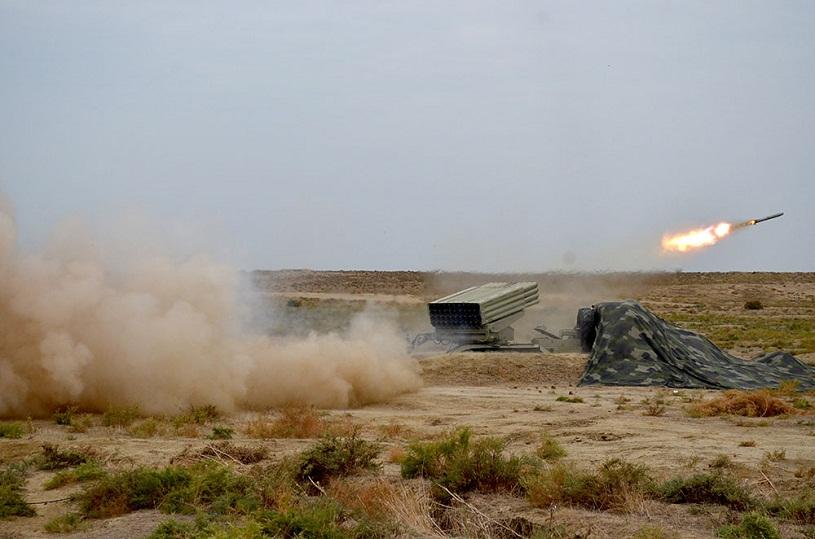 Базу Азербайджана накрыло ракетно-артиллерийским огнём: Продвижение войск остановлено
